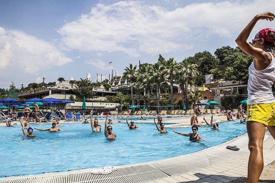 Corsi di nuoto per adulti e bambini forum roma sport center - Ipoclorito di calcio per piscine ...